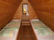4L chata Finlandia s vlastní kuchyňkou a sociálním zařízením.