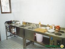 nerezový kuchyňský kout