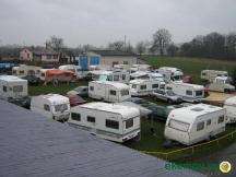 autokemp jsme zaplnili s karavany ale místa bylo ještě dost