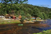 pohled na kemp od řeky