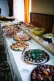 polopenzi, plnou penzi, samotné snídaně a vaříme i pro ostatní hosty. Výběr vždy z více jídel.