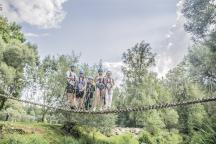 Další adrenalin - přejezd lanovou dráhou přes řeku