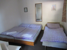 Pokoj v penzionu s přistýlkou